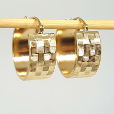 Solid yellow gold 14K light weight hallow diamondcut hoop earrings 1.8 gram