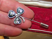 VINTAGE JEWELLERY CHARMING REAL ABALONE SHELL LUCKY CLOVER COMPLETE STICK PIN