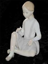 """STUNNING LLADRO Spain Porcelain Figurine """"Girl with Flower"""" No 4596 SIGNED"""