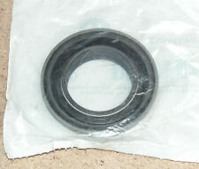 Jeep Cherokee (X1 XJ) Dodge Ram Gear Train Command Trac Seal (DHN) 04338893