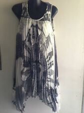 FILO Ladies Size 8 Black & White Fully Lined Pleated Chiffon Hanky Hem Dress