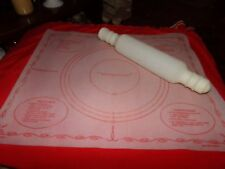 VINTAGE TUPPERWARE 1965 PASTRY MAT/  ROLLING PIN