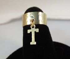 14KT GOLD EP  DANGLE INITIAL T TOE RING IN A HAMMERED RING