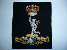 ROYAL CORPS OF SIGNALS POST 1952 QUEENS CROWN BLAZER BADGE