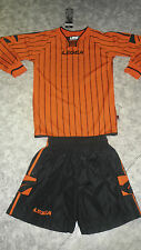 TOP ! 14 Trikot-Sets (Trikot+Hose) BUDAPEST v. LEGEA,schwarz/orange   S,
