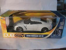 Dub City 2009 Nisson GT-R In A White 118 Scale Diecast From Jada       New dc422