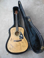 Fender Guitar Signed by 12 Tim McGraw, Faith Hill, Sara Evans, Kenny Chesney, +8
