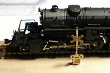 N Scale RR Crossing Signal w/Pre-cut Brass Posts (4) - Micron Art #2055