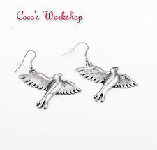 QUALITY VINTAGE PEACE SIGN DOVE PIGEON BIRD ALLOY SILVER TONE EAR STUD EARRINGS