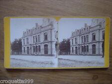 Ancienne photo stereo monument maison bourgeoise a identifier avec un passant 3D