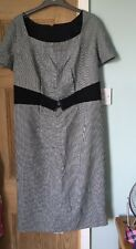 Black And White Houndstooth Business Dress Size L 16/18 Plus Size Shapely Fit