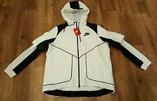 BNWT Women's Nike Tech Fleece Perforated Hooded Jacket. UK Size Large.