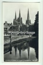 tp8814 - Staffs - Lichfield Cathedral, and the Garden of Rememberance - Postcard