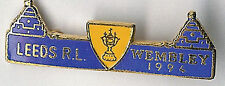 LEEDS RL WEMBLEY 1994 BLUE TWIN TOWERS RUGBY LEAGUE ENAMEL BADGE CL 38mm