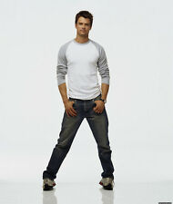 Josh Duhamel UNSIGNED photo - D1386 - Transformers, Battle Creek & Bravetown