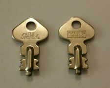 2x Cheney Keys - 481600 - Luggage / Bag Vintage lock key - New Skeleton key