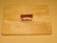 VINTAGE CIGARETTES TOBACCO MARLBORO POKER CHIPS IN WOOD BOX SET