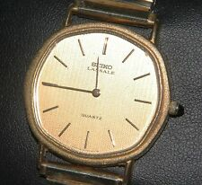FASCINATING SEIKO LASSALE MEN'S DRESS WATCH 14k BEZEL & S.S. model 6020-5899