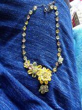 Butler & Wilson Amarillo/Verde Collar De Flores De Cristal Facetado Offset