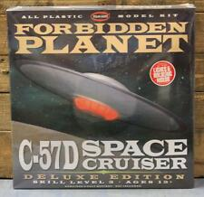 Polar Lights 916/06 Forbidden Planet C-57D Space Cruiser Deluxe Edition MISB