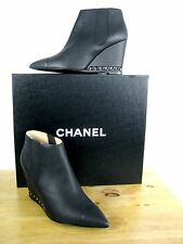 NIB CHANEL CC Logo Black Leather Wedge Ankle Booties With Chain Detail sz 41