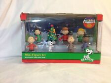 PEANUTS CHRISTMAS MINI FIGURE Fold-Out STARRY NIGHT SCENE SET OF 8 NIB Snoopy