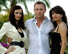 Casino Royale [Cast] (22121) 8x10 Photo