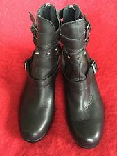 Kensie Page Black Leather Ankle Boots Zip up the Back Size 8 to 8 1/2?