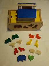 LARGE TRADITIONAL WOODEN NOAHS ARK SHAPE SORTER WITH 14 ANIMALS LADDER & ROOF