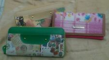 wallet for sale, pink one is not available