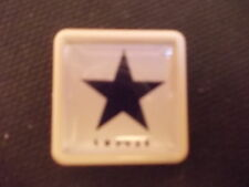 DAVID BOWIE LAST  ALBUM BLACKSTAR  ALBUM COVER    BADGE PIN