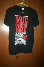 KEITH URBAN&VINCE GILL WITH SPECIAL FRIENDS CONCERT T-SHIR HALL OF FAME BLACK SM