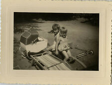 PHOTO ANCIENNE - VINTAGE SNAPSHOT - ENFANT JOUET LANDAU TROTTINETTE - CHILD TOY