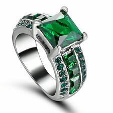 Noble Emerald Green Gemstone Fashion Pretty 10kt white gold filled Ring Size 6