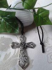 schönes großes Kreuz mit Rose und Schmuckstein Halskette Wildleder Kette Silber