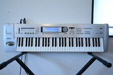 Korg Triton Le 61key MUSIC WORKSTATION KEYBOARD w/ gig bag, power supply