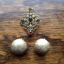 VINTAGE CINER ROUND GOLD TONE  CLIP ON EARRINGS WITH VINTAGE PIN COLORFULL