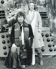 Tom Baker, Lalla Ward & The Daleks UNSIGNED photo - H118 - Doctor Who