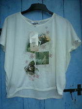 Girls T. Shirt 12-13 New Look BNWT Cream with winter pics motifs. Perfect.