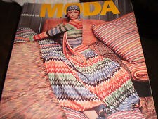 Decadas de Moda (Decades of Fashion), by Harriet Worsley
