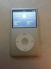 Apple iPod classic 7th Generation Silver (160GB) (Latest Model)