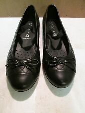 GEOX Respira Black Quilted Cap Toe Ballet Flats - Size 35