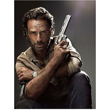 The Walking Dead Rick Grimes with gun in one hand and knife 8 x 10 Inch Photo