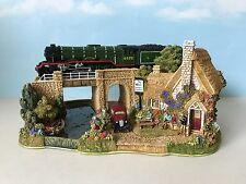 Lilliput Lane (L2661) THE FLYING SCOTSMAN - With Box & Deeds