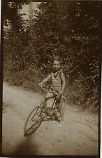 PHOTO ANCIENNE - VINTAGE SNAPSHOT - ENFANT VÉLO BICYCLETTE MODE - CHILD BIKE