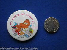 Garfield pin badge ' Junk Food is the Staff of Life - 1978