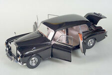 Paragon 1/18 Scale 1964 Rolls Royce Phantom V Hard Top 98213 Diecast Model Car