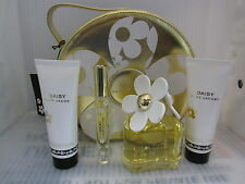 MARC JACOBS DAISY 4 PCS GIFT SET:3.4 EDT Spray,6 ML Roll On,2.5 Lotion,2.5 Gel