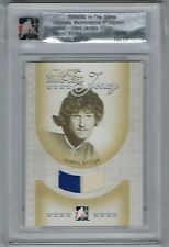 2005/06 IN THE GAME DARRYL SITTLER GAME USED 2 COLOR JERSEY SILVER #'D 12/25