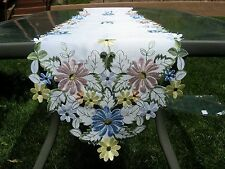 "Daisy table runner table topper Beautiful high quality 68"" x 13"" polyester"